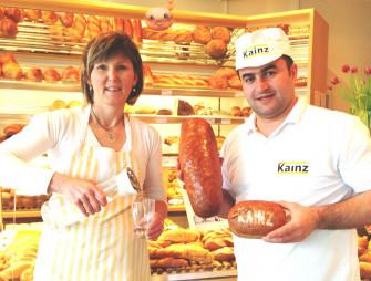Mehmet Altas mit Mitarbeiterin