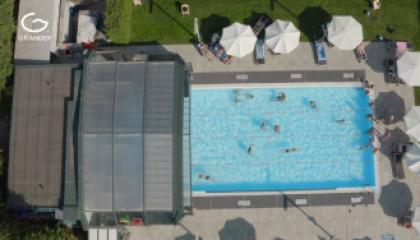 Blu Fit, Bergamo, IT - belebtes Schwimmbad
